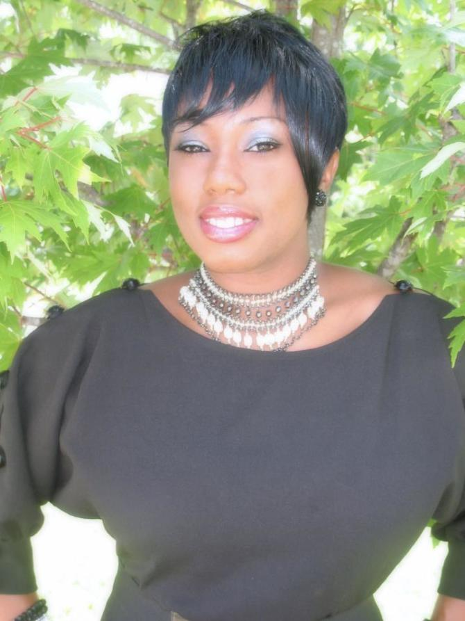 INTERVIEW | Shenette Jones, author of Uncovered